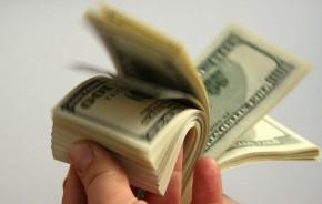 uždirbti didelius pinigus studentui