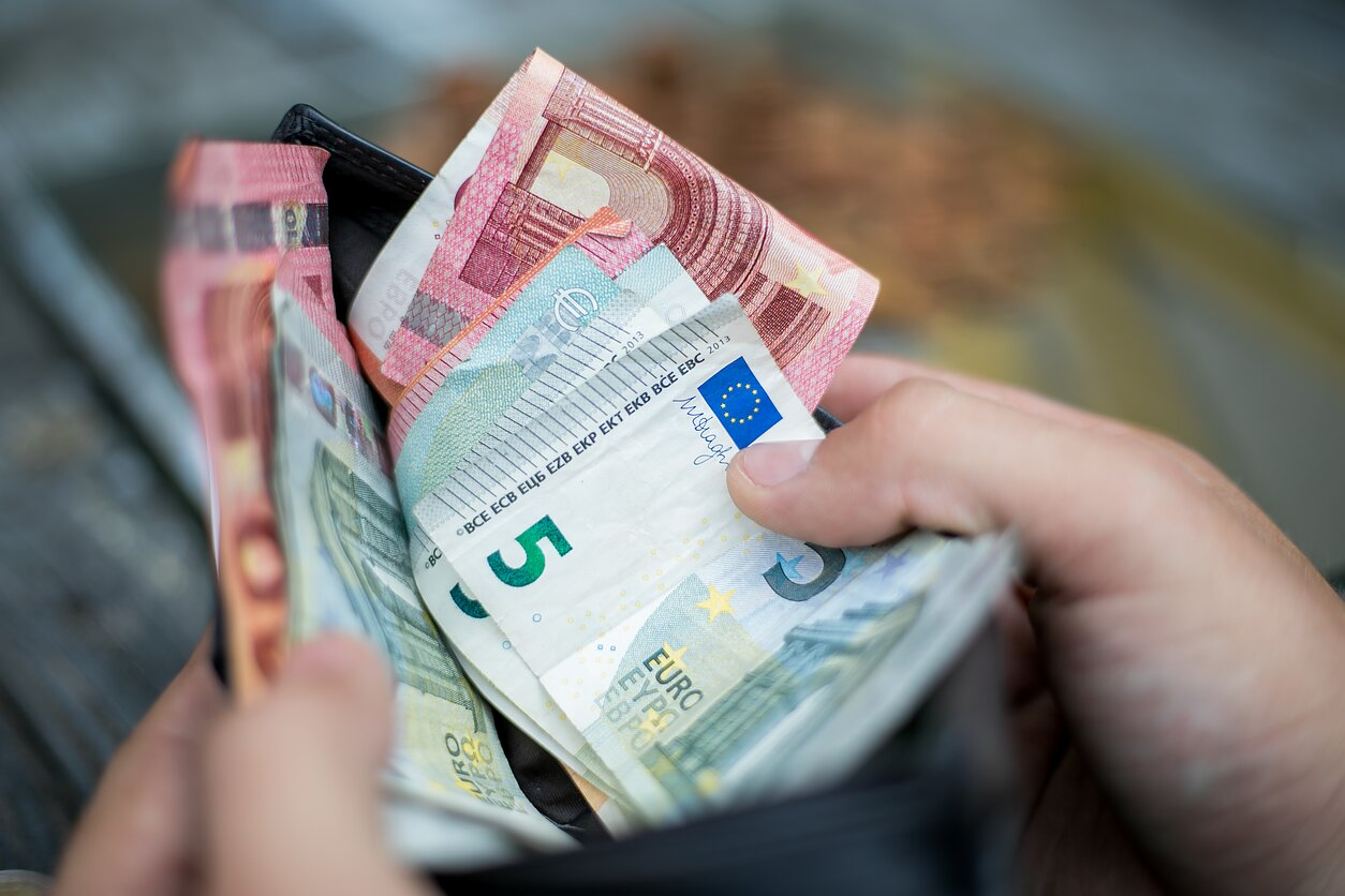 Pirkti galimybe ant eurų
