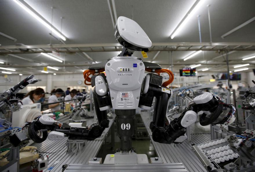 kuris dirba su prekybos robotais