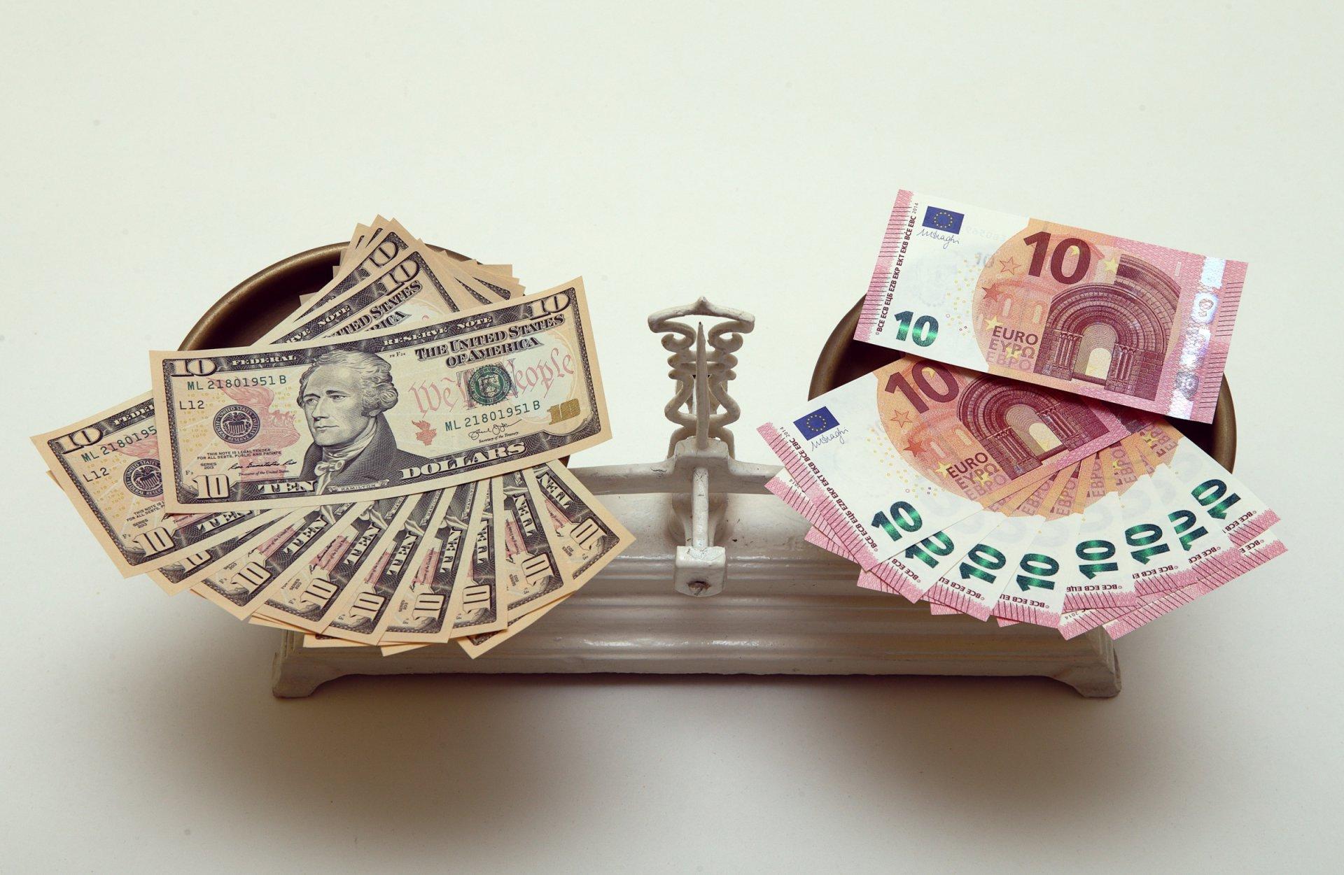 Kur ir kaip užsidirbti pinigų be indėlių, Parašykite mums