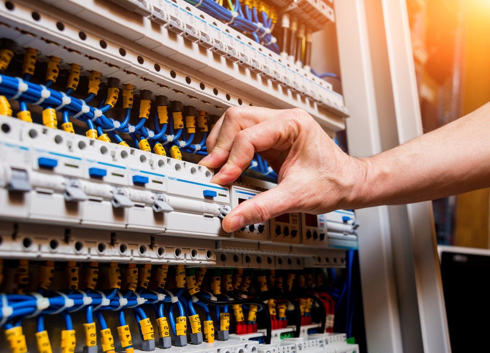 Elektros tiekėjo pasirinkimas taps lengvesnis | dailesidejos.lt