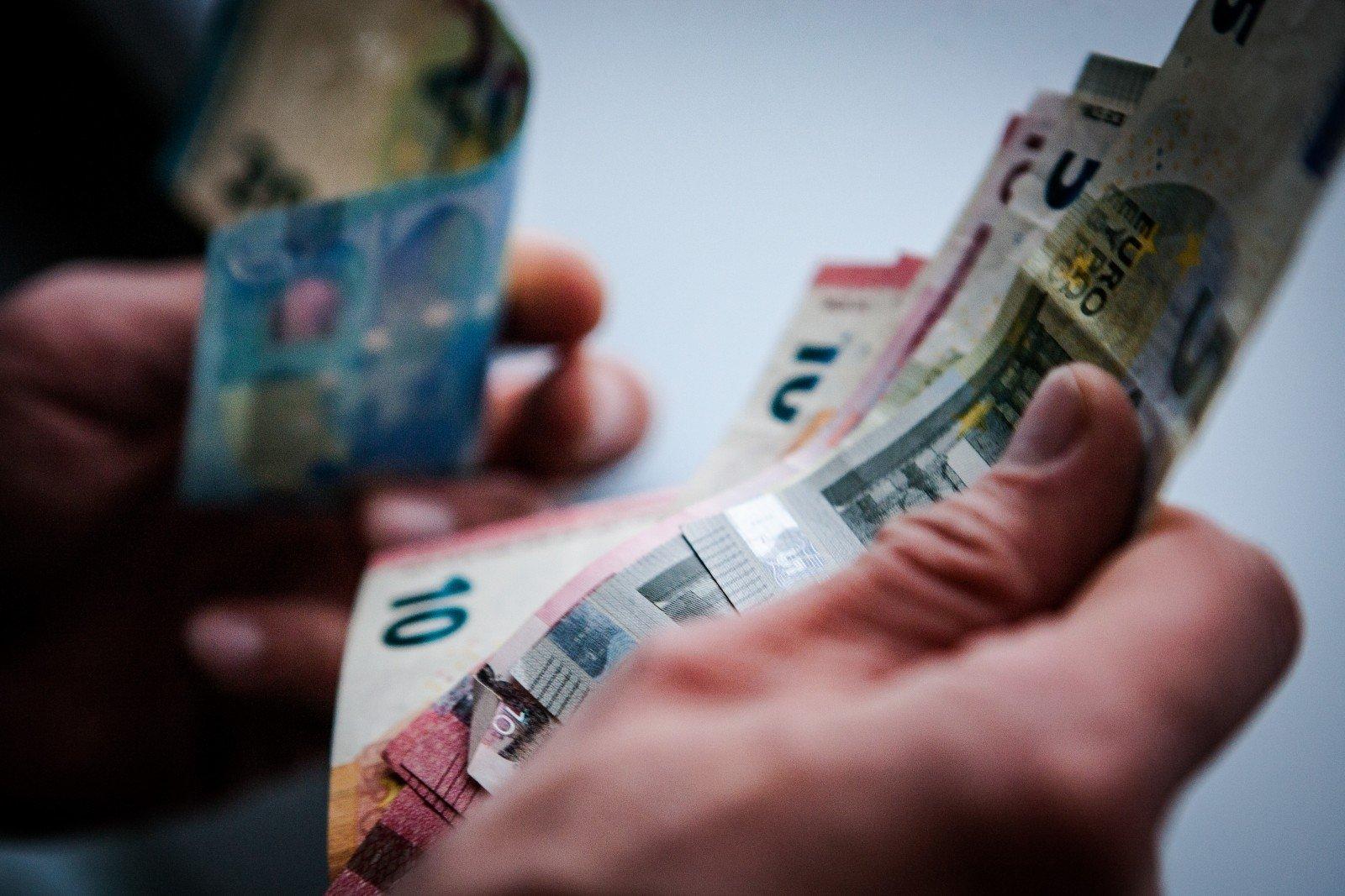 kaip užsidirbti pinigų investavus milijoną