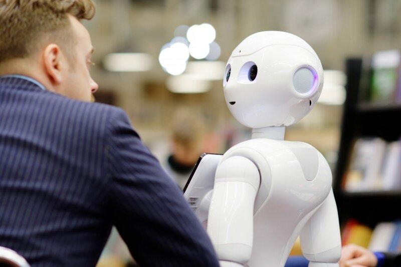Darbuotojus mokys, kaip patiems susikurti robotus