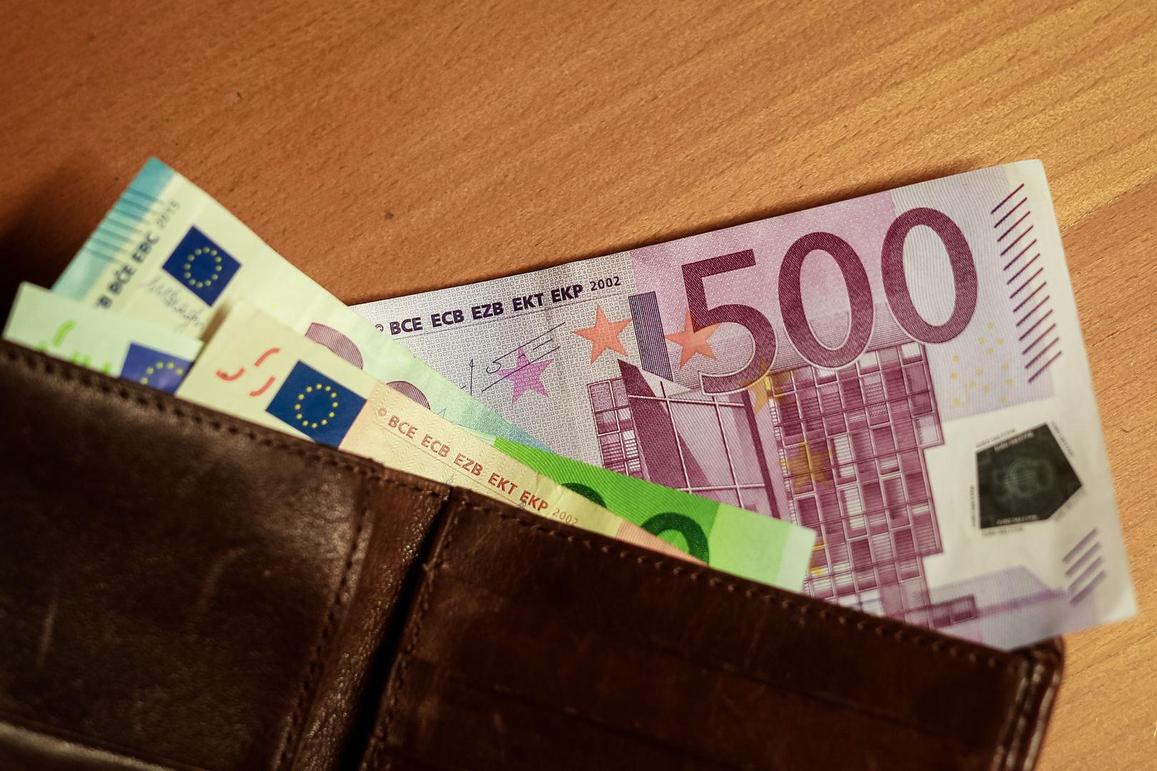 Greiti pinigai internetu | dailesidejos.lt