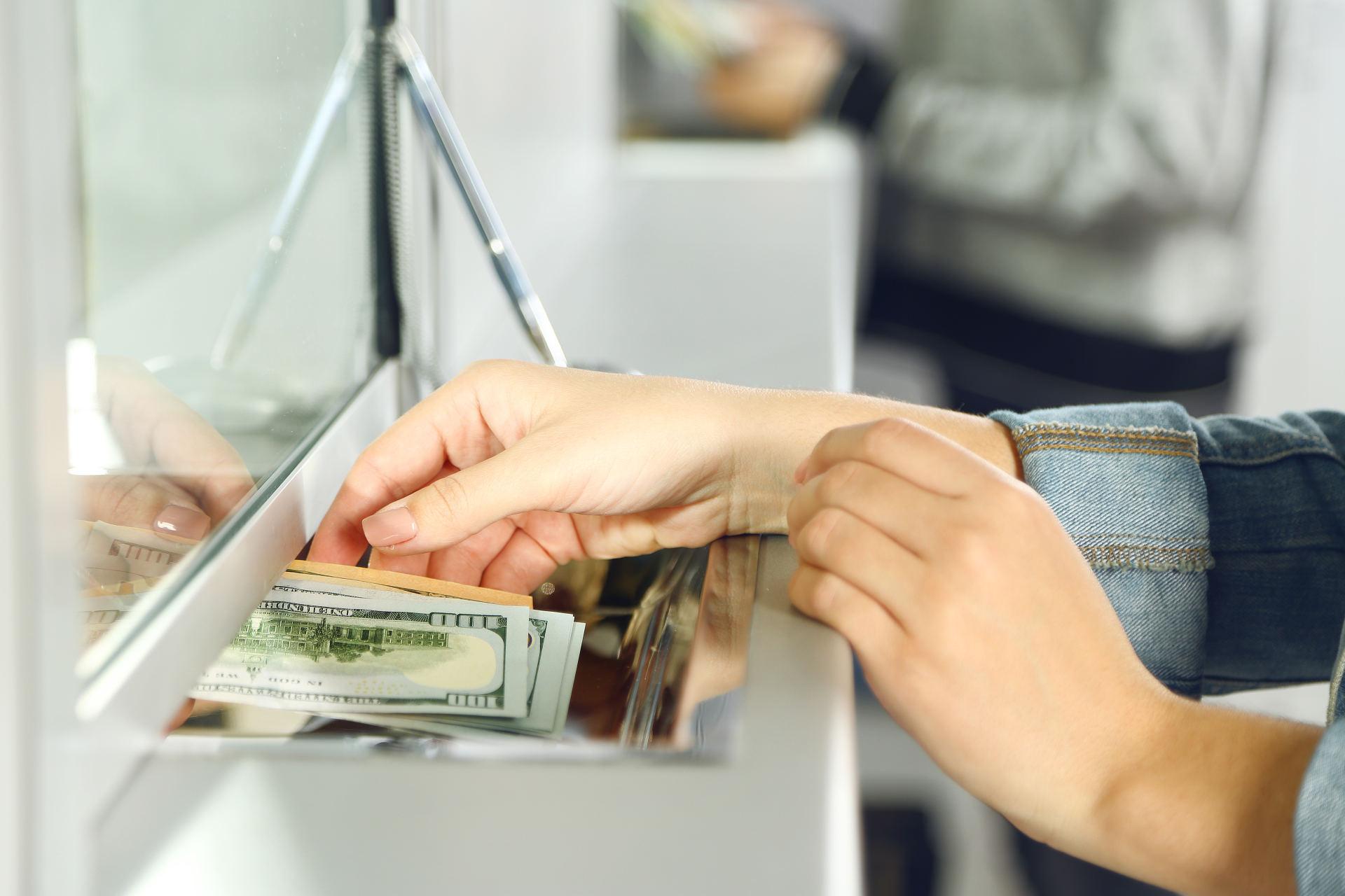 pinigų keitimas