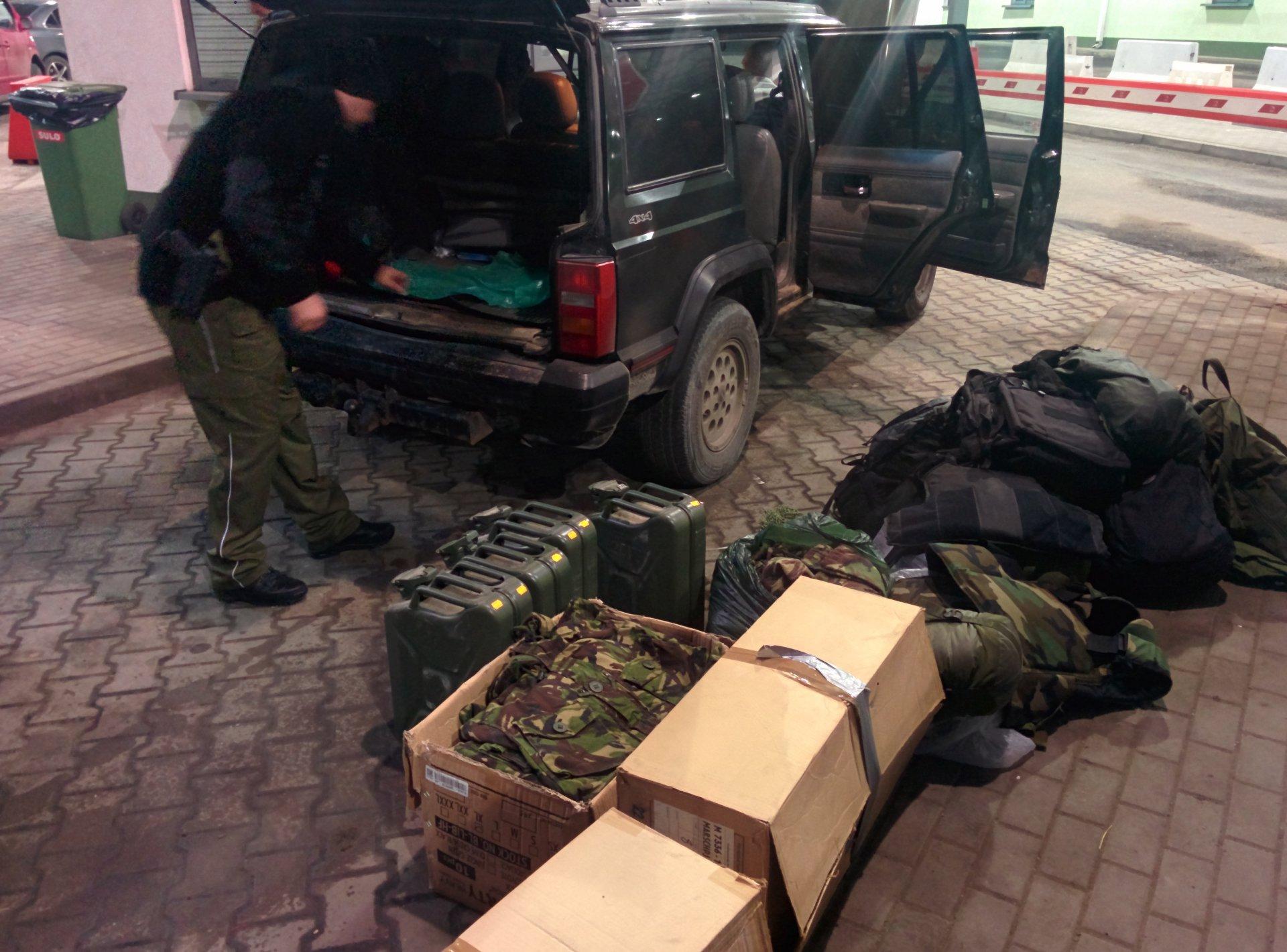 Policija pasienyje pasitinka atvykstančiuosius iš Lenkijos