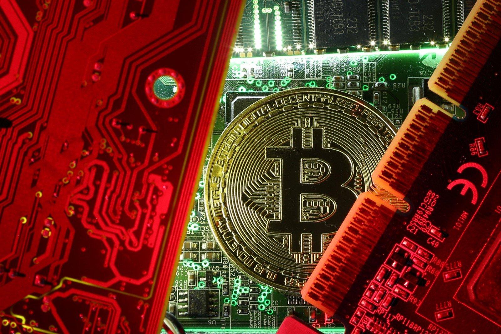 kaip investuoti pinigus į bitkoinus