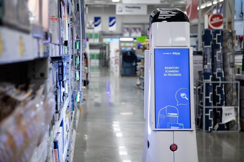 Lietuviai kuria unikalų pasaulyje dezinfekcinį robotą kovai su COVID - LRT
